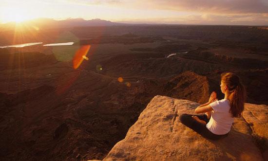 发挥出自己所深藏的强大能量,那首先,就必须学会坚持每天静心